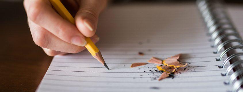 מיועד לכל מי שרוצה להתחיל או לסיים לכתוב את ספרו